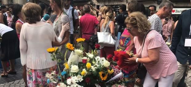 Ofrenda de barceloneses por el atentado yihadista en Barcelona