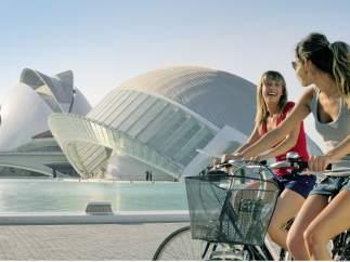 Valencia y Sevilla tienen los barrios que más gustan a los turistas europeos