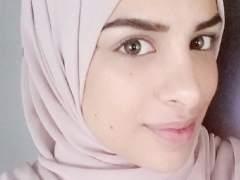 Dan la razón a una musulmana que se negó a dar la mano en una entrevista de trabajo