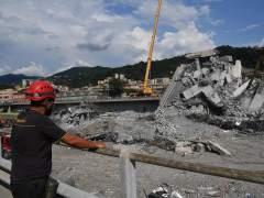 Ya son 43 los muertos en el desplome del puente Morandi tras el hallazgo de una familia bajo los escombros