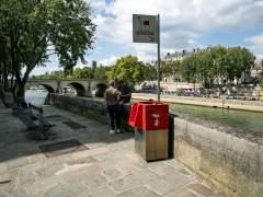 Instalan en París urinarios ecológicos: la orina se recoge para crear fertilizantes