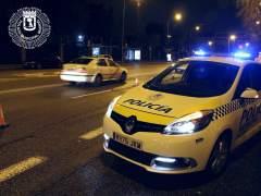 Heridos dos policías municipales de Madrid tras ser embestidos por el coche de unos atracadores