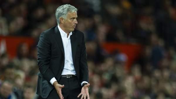 Mourinho, en un partid de la Premier League con el Manchester United.