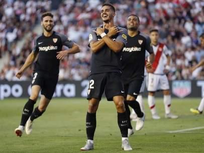 André Silva celebra su segundo tanto en el partido entre Rayo Vallecano y Sevilla.