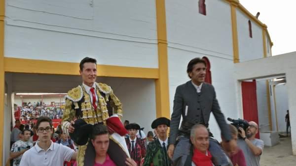 Urdiales y Ventura a hombros en Alfaro