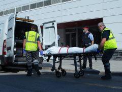 """Los Mossos abaten a un hombre que intentó atacar una comisaría de Cornellá de Llobregat al grito de """"Alá es grande"""""""