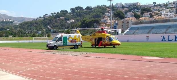 Un niño de tres años, grave tras caer a una piscina en Almuñécar