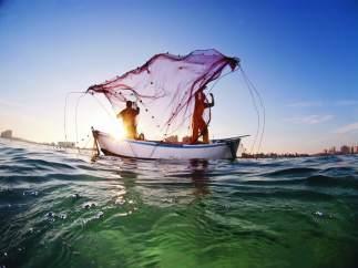 La imagen sobre el arte de la pesca obra de Javier Murcia