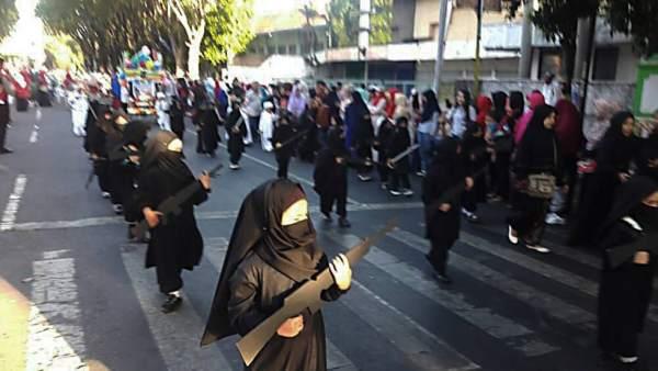 Desfile Indonesia