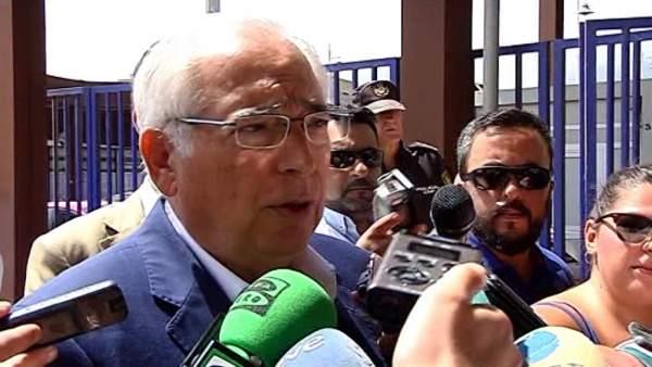Imbroda critica que Sánchez no vaya a Melilla para vivir el problema migratorio