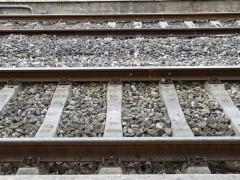 Un estudiante pierde los dos pies al intentar hacerse un selfie con el tren en movimiento