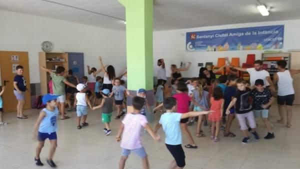 Niños en una escuela de verano de Santanyí
