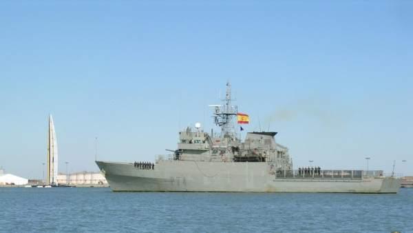 Patrullero Atalaya P74 seguridad marítima ministerio de defensa puerto vigilanci