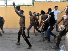 Migrantes saltan la valla de Ceuta