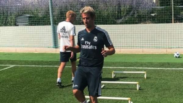 Coentrao se entrena con el Real Madrid.