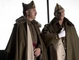 Santi Prego y Eduard Fernández en el rodaje de 'Mientras dure la guerra'.