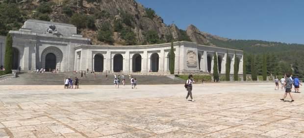 Partidos reaccionan ante el decreto ley de la exhumación de Franco