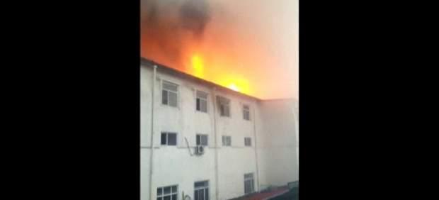 Vista del hotel que se ha incendiado en China