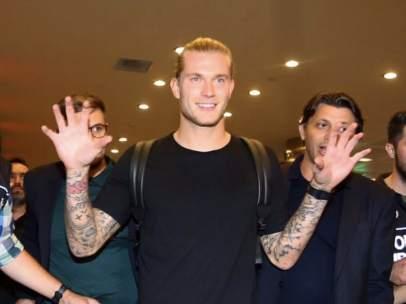 Loris Karius, recibido en su llegada a Turquía.