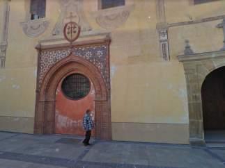 Fachada de la Iglesia de Santiago, en Málaga