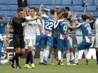 Del Cerro Grande da el gol fantasma de Esteban Granero ante el Valencia.
