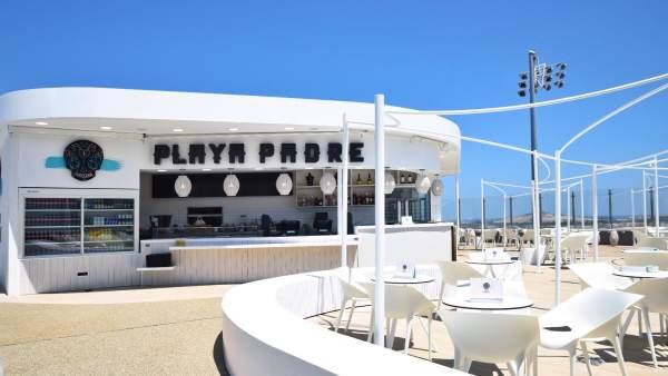 El 'beach club' de 'Playa Padre' que Autogrill ha abierto en el aeropuerto