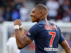 Kylian Mbappé celebra un gol con la camiseta del PSG.