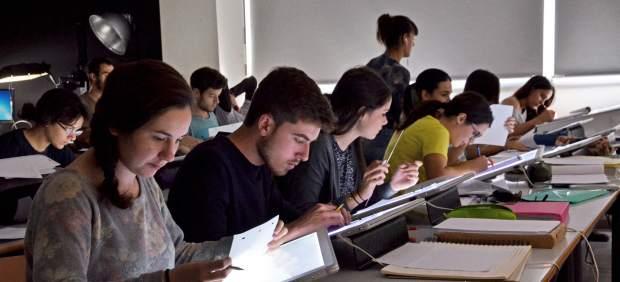 El Gobierno rescatará a los universitarios 'pillados' por el cambio de condiciones de sus becas ...