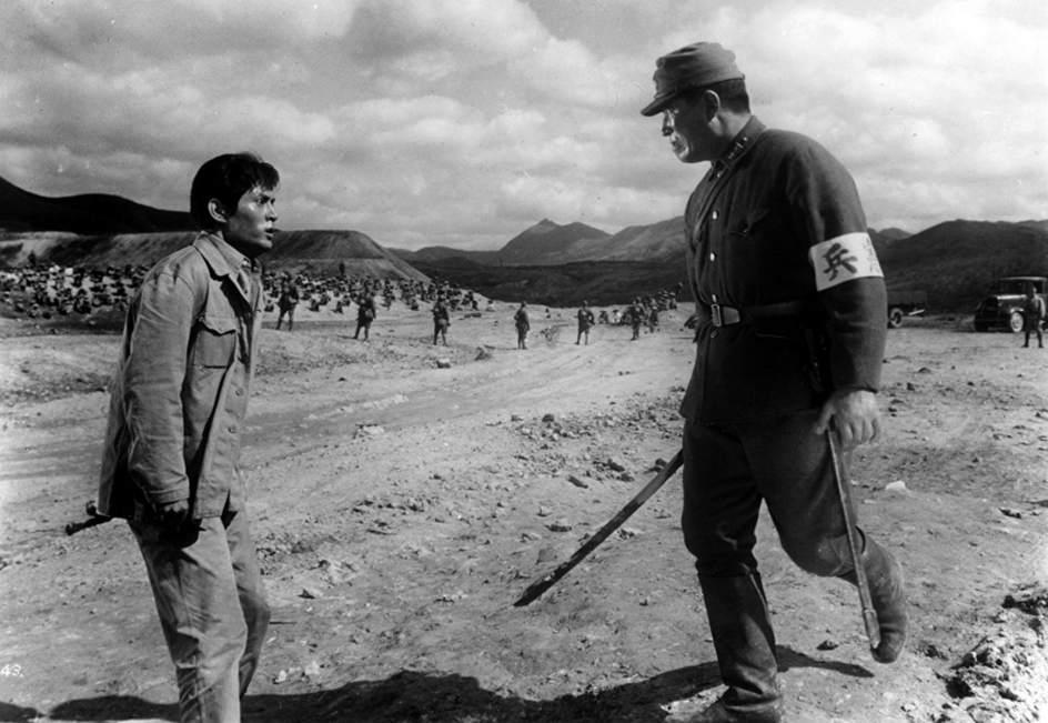 14. 'La condición humana I: No hay amor más grande' (1959). La primera parte de la trilogía bélica de Masaki Kobayashi tiene un metraje de 208 minutos. Para ver las tres películas necesitarás casi 10 horas.