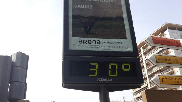 Termómetro marca 30 grados en Valencia.