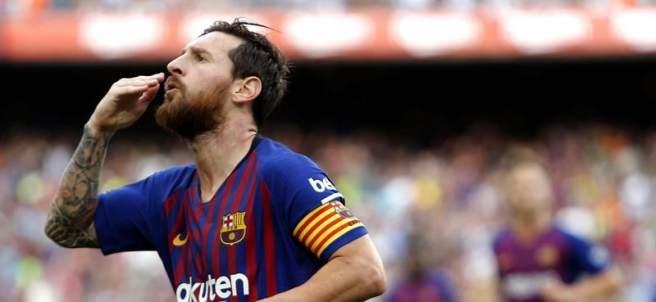 Leo Messi celebra un tanto con la camiseta del Barcelona.