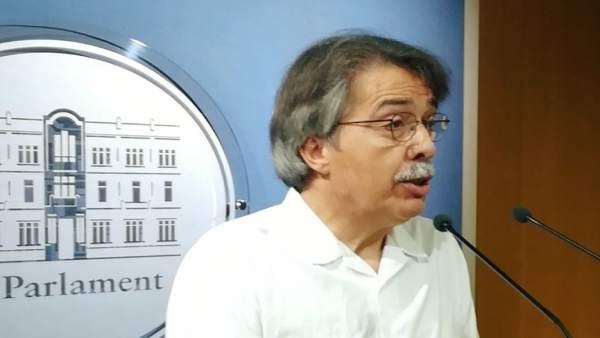 El portavoz de Cs en el Parlament, Xavier Pericay, durante la rueda de prensa