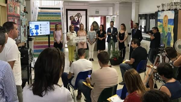 Dela Martínez-Cachá informa sobre los detalles del nuevos curso escolar