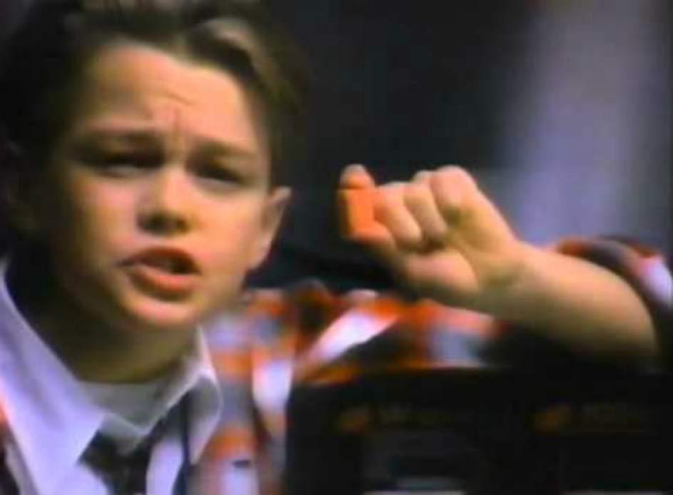 Leonardo DiCaprio. Bubble Yum contrató a un adolescente llamado Leonardo DiCaprio para ser imagen de sus chicles. Eso fue a finales de los 80, antes de que le llamaran para rodar 'Critters 3' (1991).