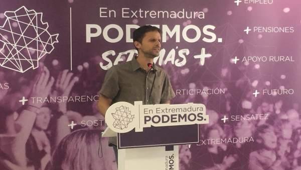 ÞÁlvaro Jaén en rueda de prensa este lunes en Mérida