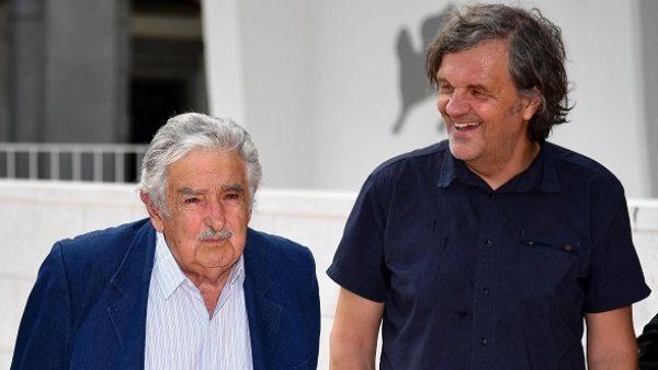 Emir Kusturica y José Mujica, en el Festival de Venecia.