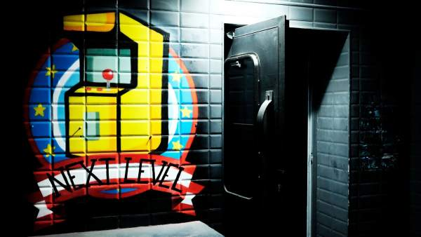 Entrada del Next Level Arcade Bar de Madrid.