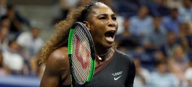 Serena Williams acepta el reto y juega contra cinco hombres a la vez