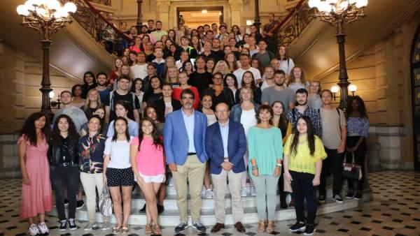 Goia con alumnos extranjeros que estudiarán en Deusto.