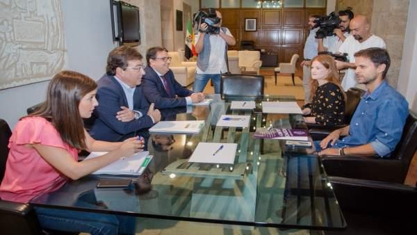 Reunión entre Vara y Jaén sobre la Renta Básica