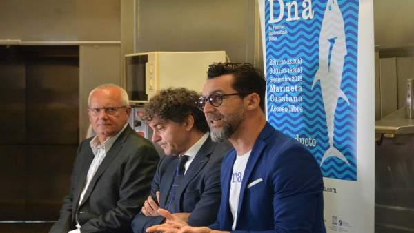 El chef Quique Dacosta, Francesc Colomer y el alcalde de Denia, Vicent Grimalt