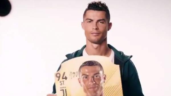 Cristiano Ronaldo se da un '100' de valoración en el FIFA 19.