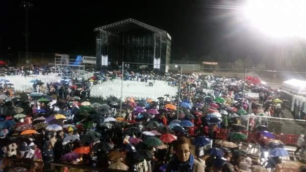 Tromba de agua en concierto de Raphael en Azuqueca