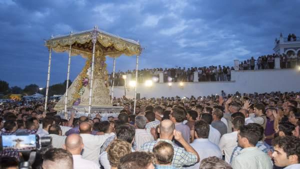 Procesión extraordinaria de la Virgen del Rocío