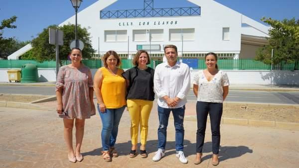 Patricia Navarro visita el CEIP Los Llanos en el Morche