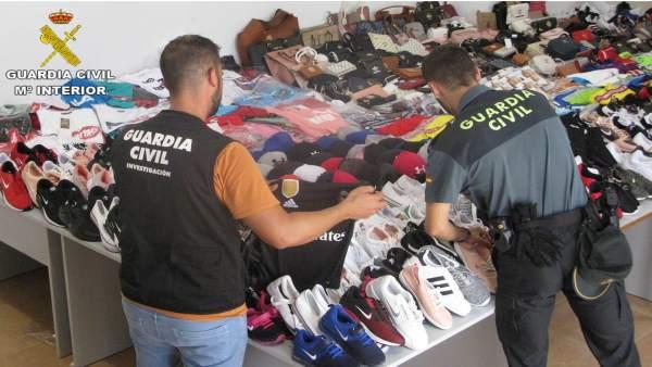 Incautación de objetos falsificados en Torrevieja