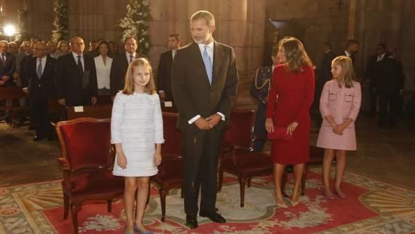 La familia real en la basílica de Covadonga durante la misa del Día de Asturias
