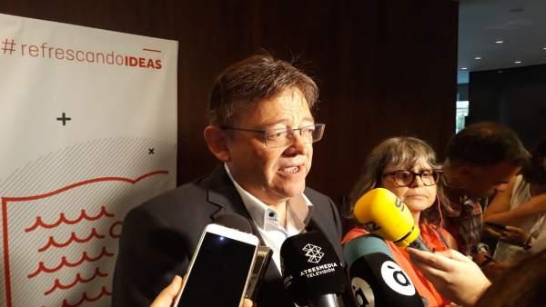 Puig atiende a los medios en l'Escola d'Estiu del PSPV en Alicante