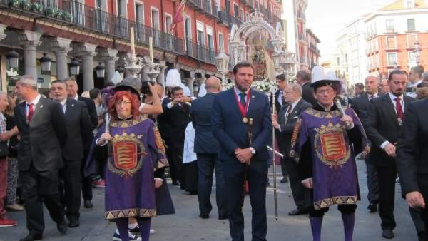 Oscar Puente en la Procesión de la Virgen de San Lorenzo  8-9-2018