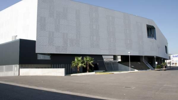 Fachada del nuevo edificio de alojamientos y guardería de la UJA.